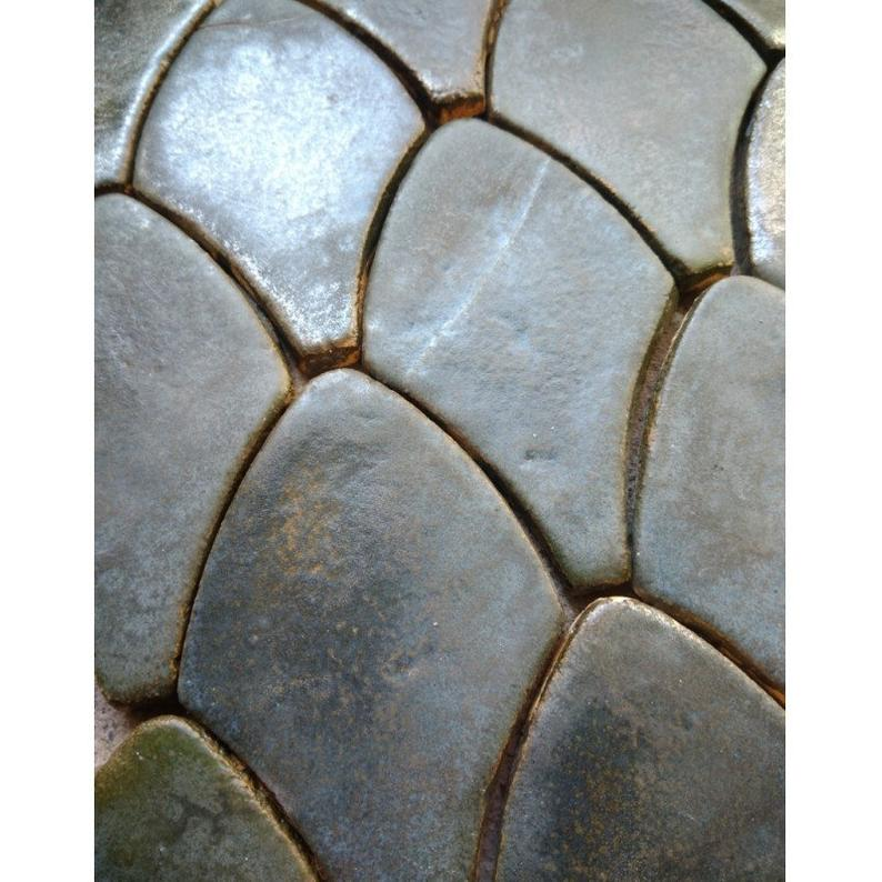 Dragon scale tiles